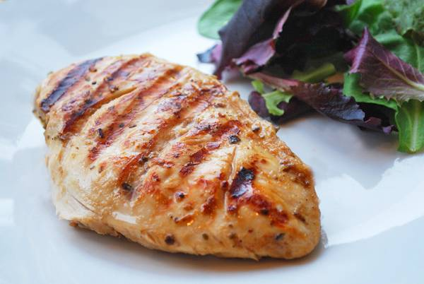 grilled chicken breast with side salad